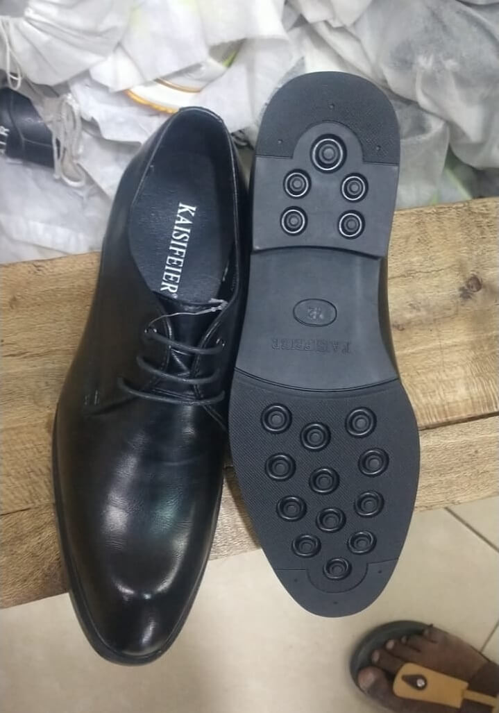 Shop in Eastleigh    Men Official Laced Leather Shoes For Sale